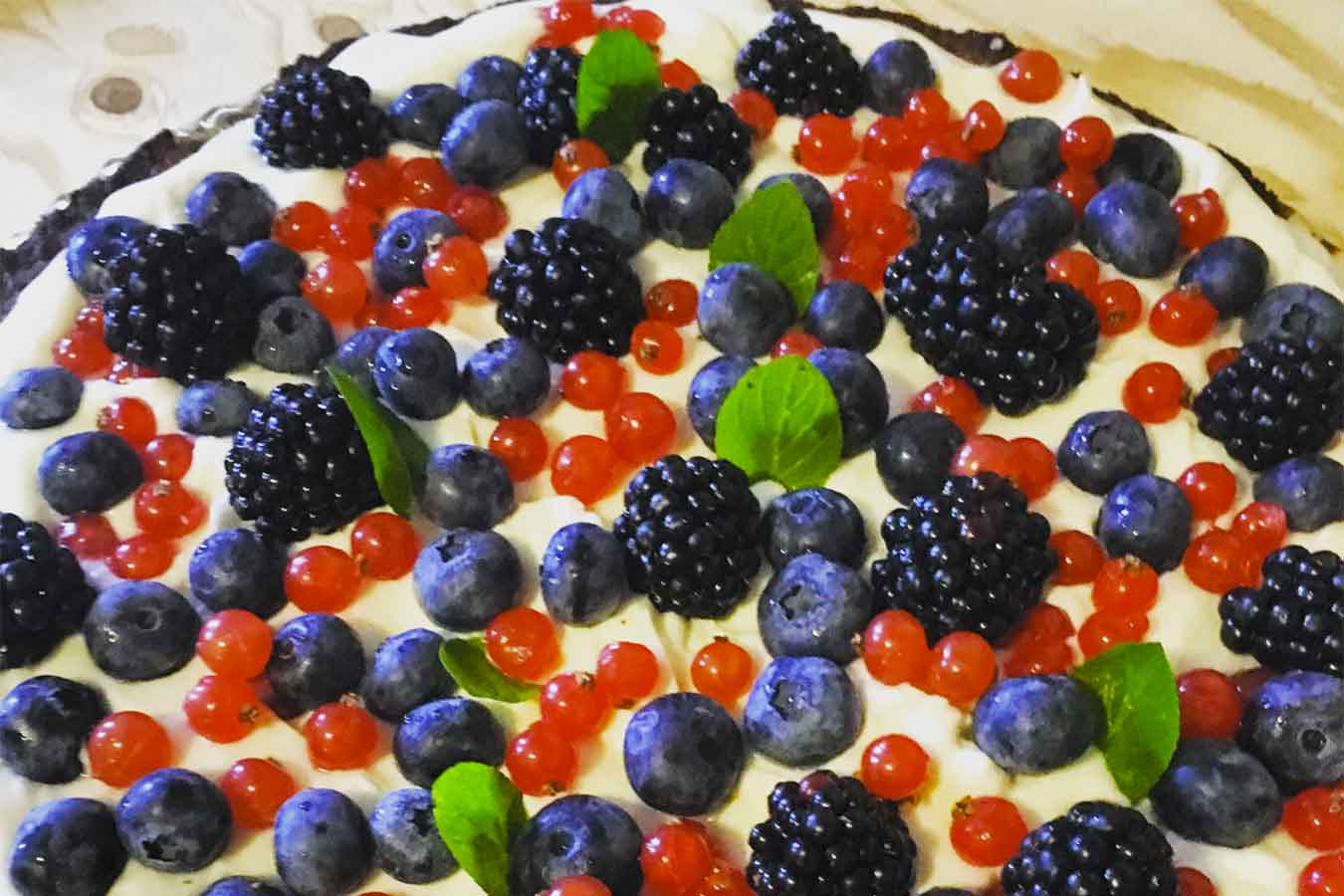 Crostata crema leggera e frutti di bosco
