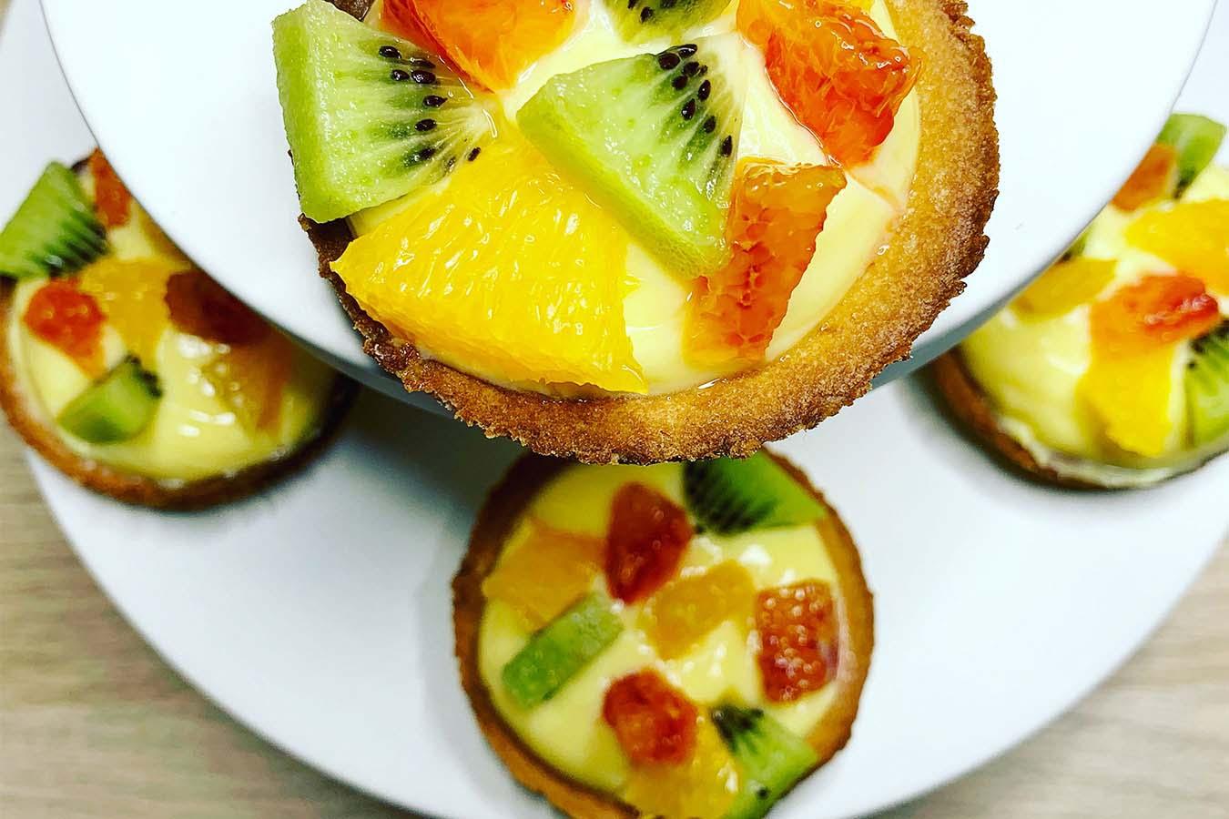 Tartellette di frutta e crema pasticcera